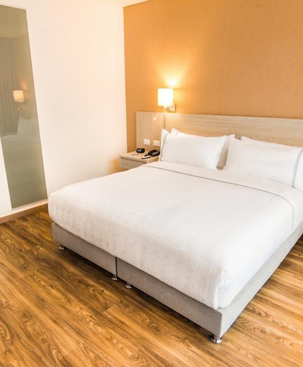 Standard King Room Sonesta Hotel Ibague Ibagué